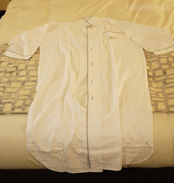 ザ・キャピトルホテル東急ターンダウン広げたパジャマ画像
