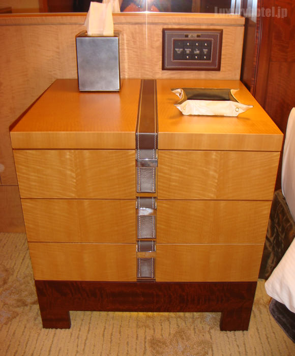 シャングリ・ラ ホテル 東京左キャビネット画像