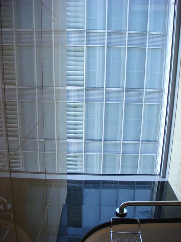 シャングリ・ラ ホテル 東京ビューバス画像