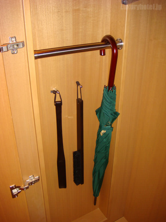 シャングリ・ラ ホテル 東京 クローゼット傘画像1