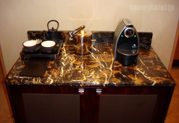 シャングリ・ラ ホテル 東京 ミニバー全体画像