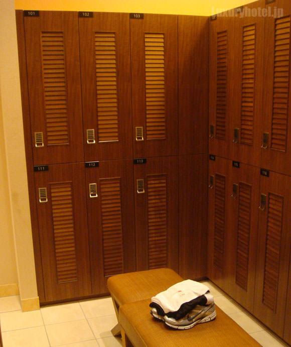 シャングリ・ラ ホテル 東京フィットネス更衣室画像1