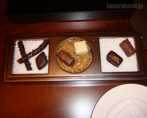 シャングリ・ラ ホテル 東京 ウェルカムスイーツチョコレート画像2