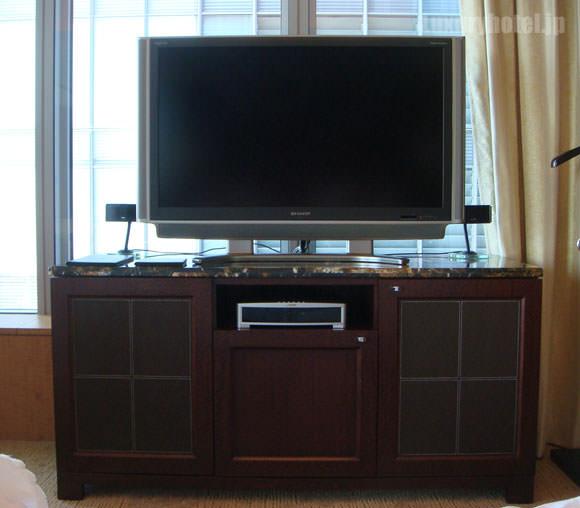 シャングリ・ラ ホテル 東京プレミアルームテレビ画像