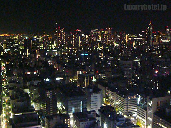 シャングリ・ラ ホテル 東京 プレミアルーム夜景画像1