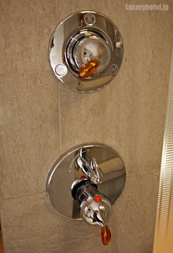 シャワー切り替えハンドル