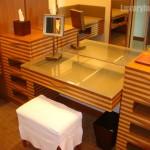111120-peninsula-dressingroom02