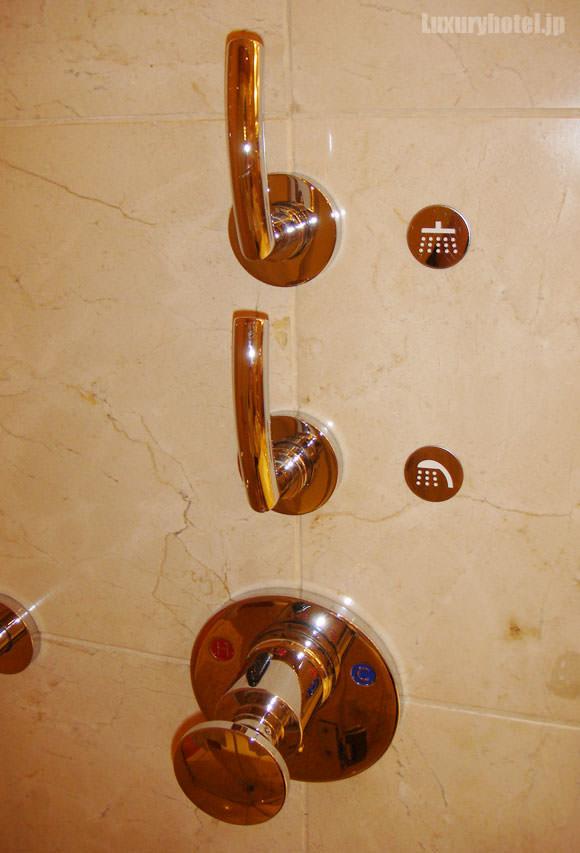 シャワーハンドル
