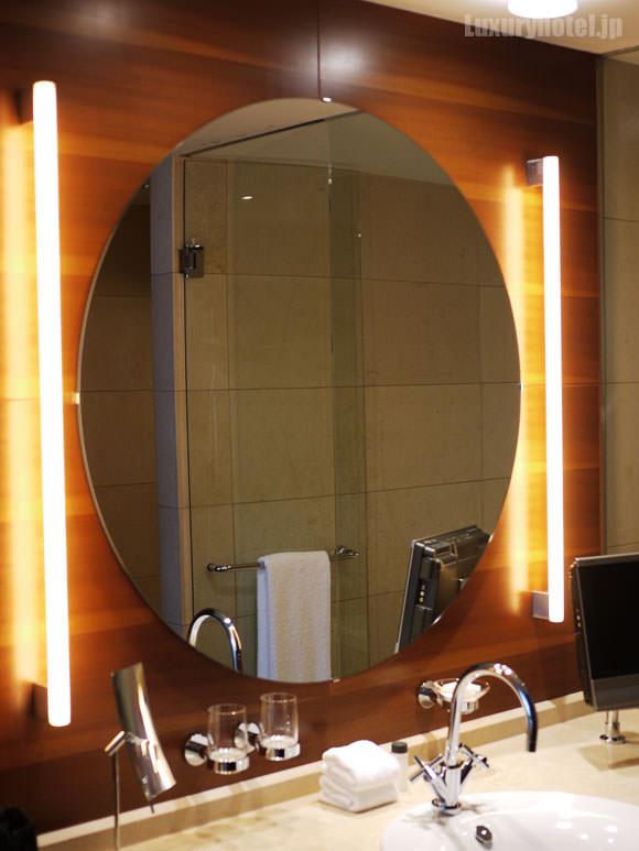 2011-grandhyatt-tokyo-bathroom04