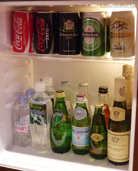 ミニバーの冷蔵庫