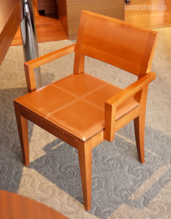 ワークデスクの椅子