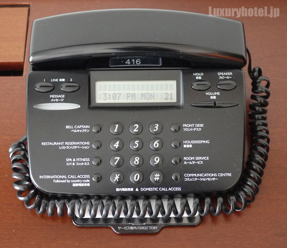 ワークデスクの電話機