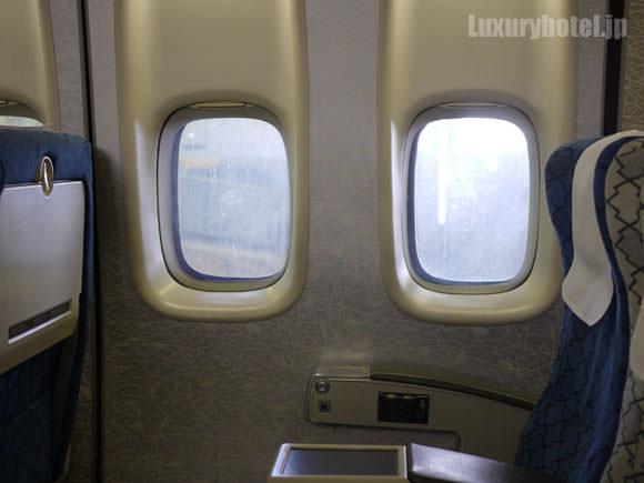 訓練用飛行機の窓