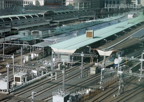 東京駅ホーム。
