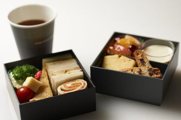 マンダリン オリエンタル 東京監修機内食画像