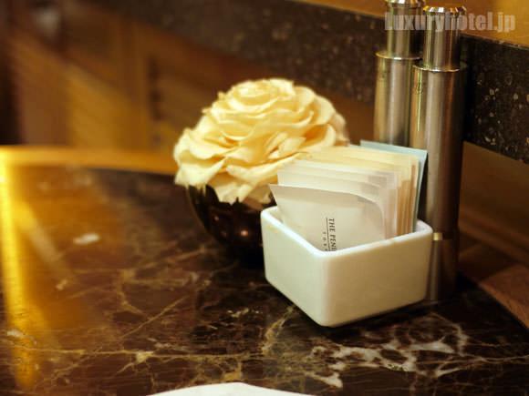 ザ・ペニンシュラ ブティック&カフェ テーブルの花