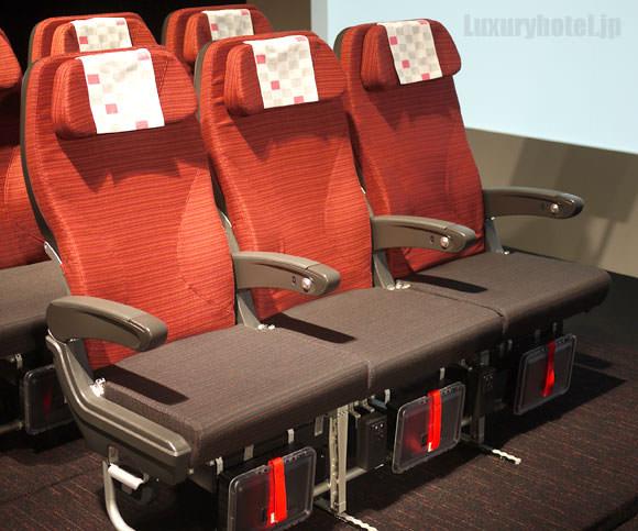 JAL新座席 エコノミークラス1