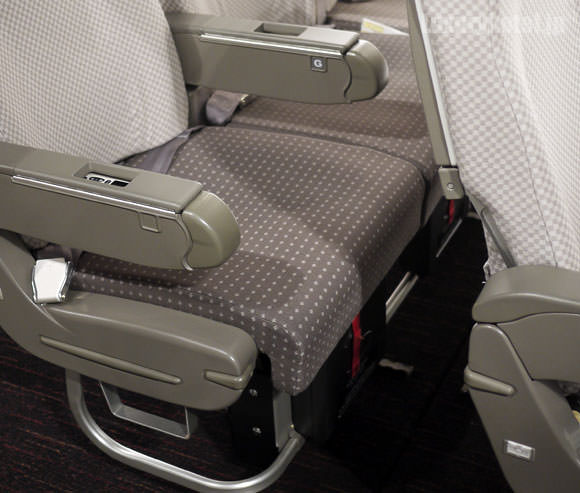 JAL新座席 エコノミークラス7