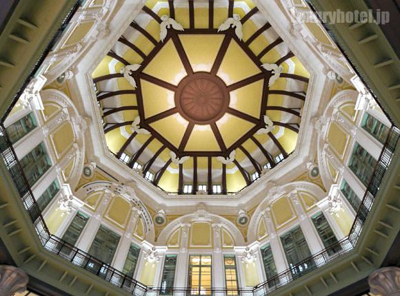 丸の内南口 ドーム天井