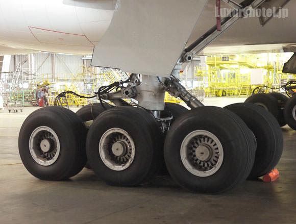 JAL 777新シート体験会 機体画像 車輪6輪