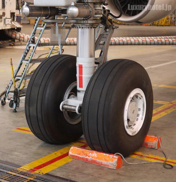 JAL 777新シート体験会 機体画像 タイや2輪