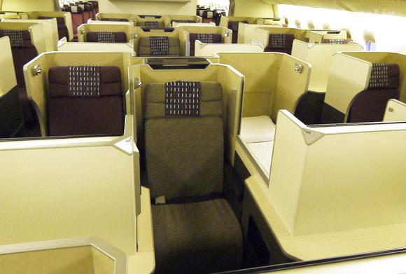 JAL 777新シート ビジネスクラス フルフラット