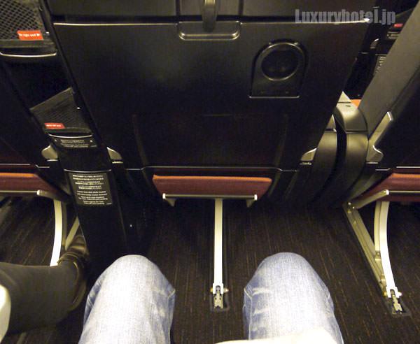 JAL プレミアムエコノミー 新シート 座ってみた