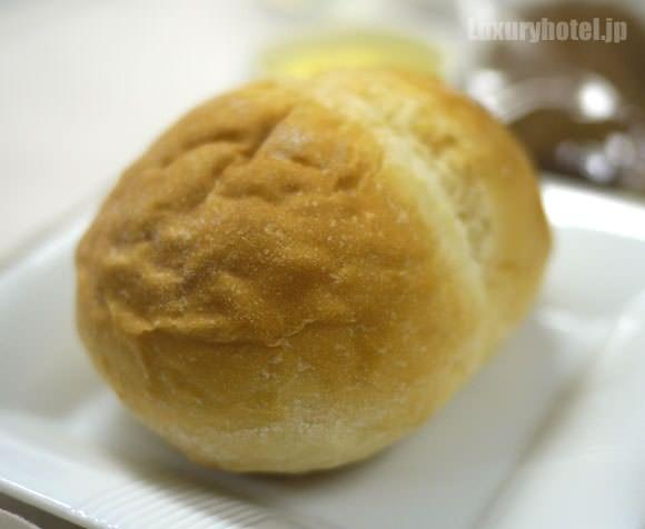 JAL ファーストクラス 機内食 パン