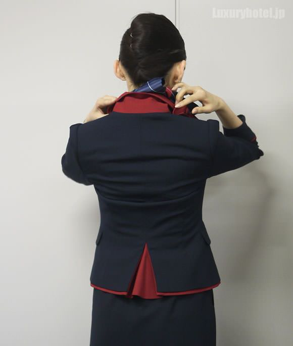 JAL キャビンアテンダント 新制服ジャケット背面