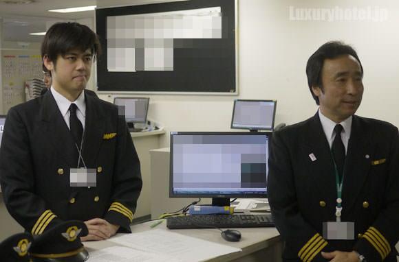 JALの機長と副操縦士