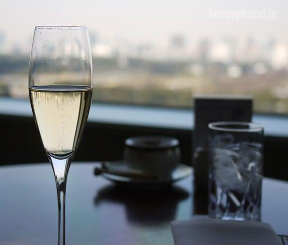 シャンパン越しの景色