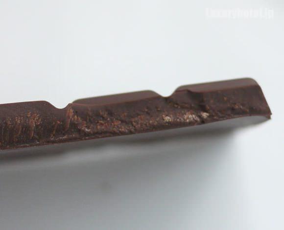 ザ・ペニンシュラ東京 ビターチョコレート 断面