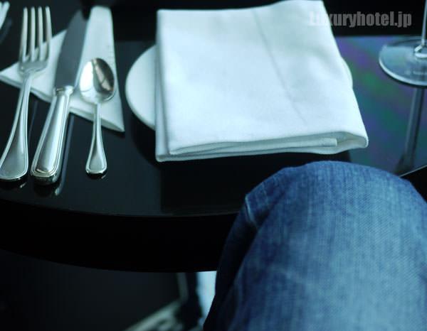 テーブルが低いトゥエンティエイト