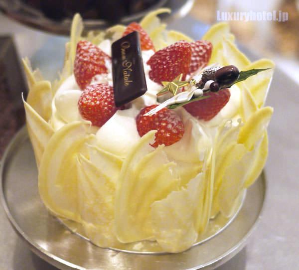 ストロベリーショートケーキ 横から