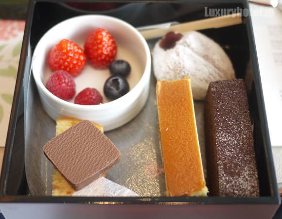 パレスホテル東京 アフタヌーンティー スイーツ類 ケーキなど