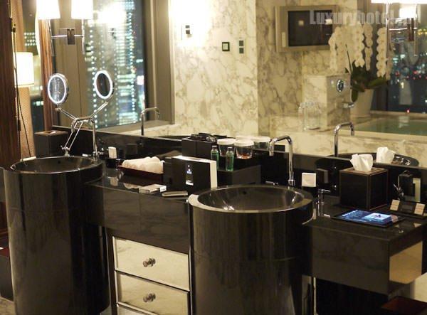 マンダリン オリエンタル 東京 プレジデンシャルスイート バスルーム タイトル画像