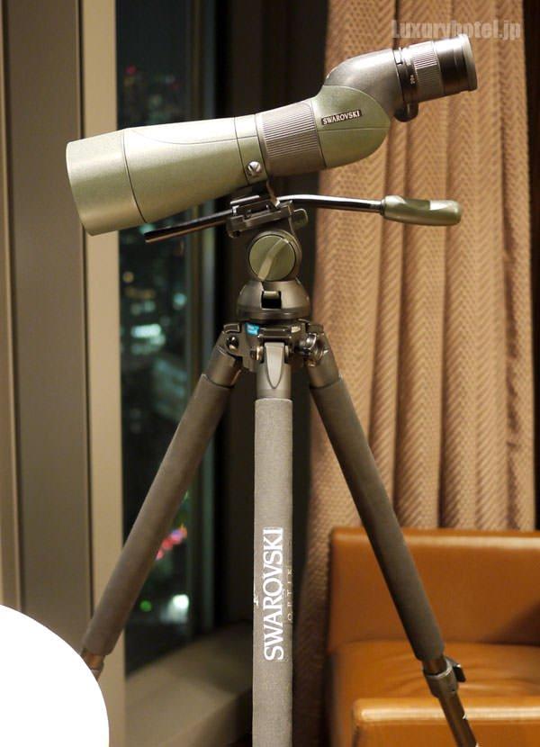 プレジデンシャルスイートには、スワロフスキーの望遠鏡が置いてある