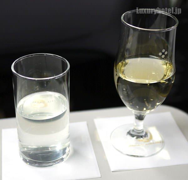 JAL見学会 シャンパンとJALスカイタイムのシークワーサージュース