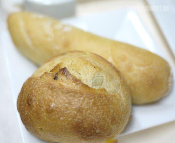 JALビジネスクラス機内食BEDD メゾンカイザーのパン