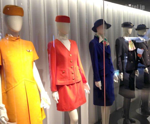 JAL SKY MUSEUM スチュワーデスの歴代制服