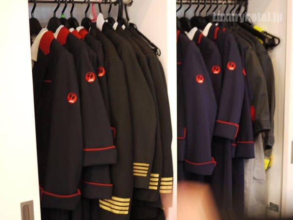 JAL 「SKY MUSEUM」 制服体験エリア パイロットとCAの制服
