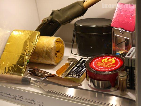 JAL SKY MUSEUM 不時着した場合に備えてサバイバルキットが常備