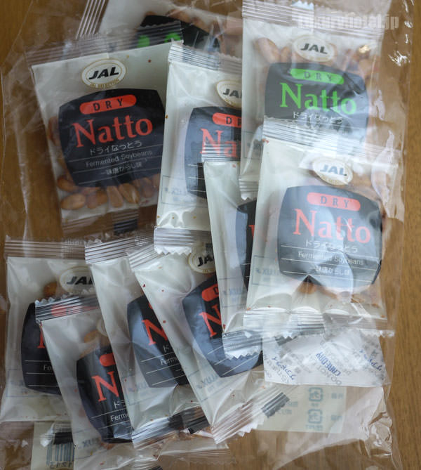 JAL 「SKY MUSEUM」 お土産ショップ ドライ納豆を買った