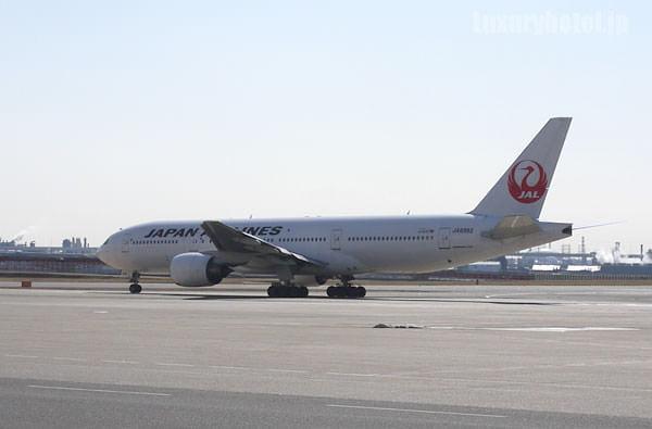 JAL 整備工場 飛び立つ飛行機