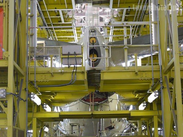 JAL 整備工場 尾翼部分