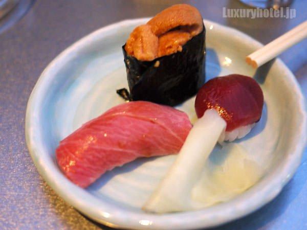 六緑の寿司 ウニが甘い!