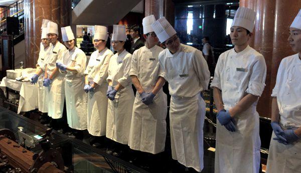 ウェスティンホテル東京 開業20周年の20メートルのケーキ パティシエ達