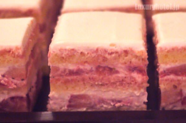 グランド ハイアット 東京 ストロベリーショートケーキ 断面図