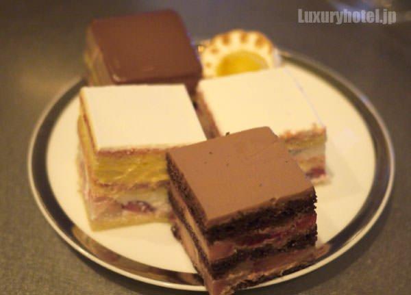 グランド ハイアット 東京 クリスマスケーキ試食2