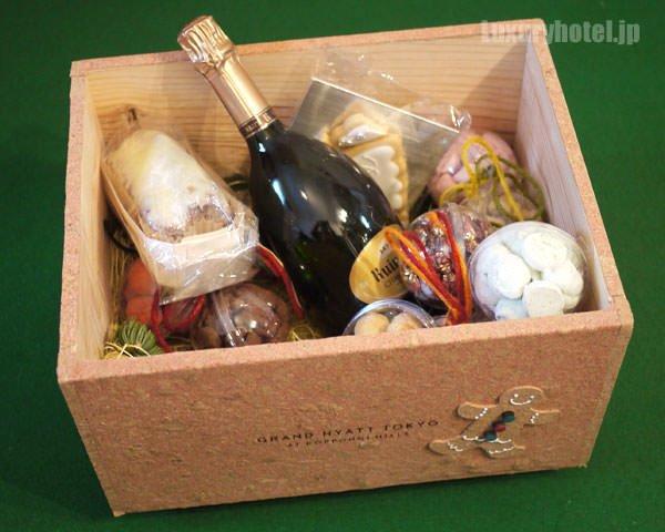 グランド ハイアット 東京 クリスマスハンパー ボックス全体画像